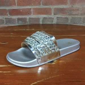 Maker's | NEW Edgy Chainlink Slides Silver